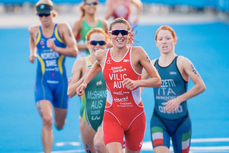 Sara Vilic beim Triathlon-Lauf