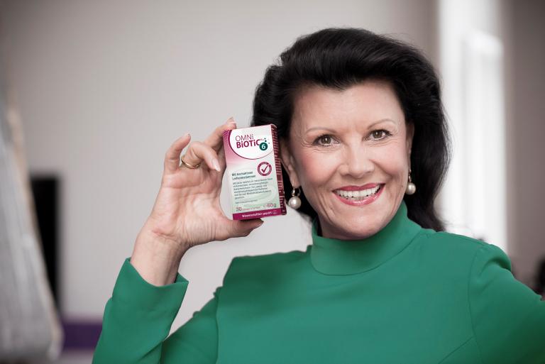 Mag. Anita Frauwallner feiert 25 Jahre OMNi-BiOTiC® 6